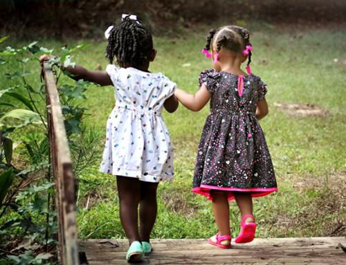 Welke steungezinnen bieden deze zusjes een fijne speelplek?