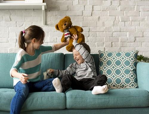 Warm open gezin gezocht voor een meisje (7) en haar broertje (2)