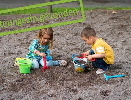 Gezocht: Liefdevolle gezinnen, die een gevoelig meisje en haar broertje uit Velsen-Noord eropuit nemen!