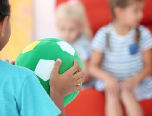 Lief en open steungezin gezocht voor vrolijke driejarige krullebol
