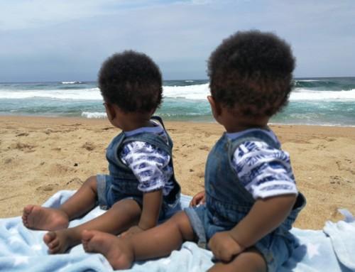 Voor een tweeling van 5 maanden zoeken we een warm steungezin (Beverwijk)