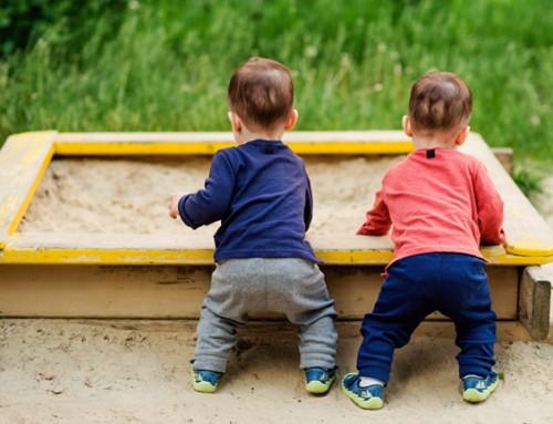 Helpende hand gezocht voor moeder met een tweeling van bijna 2