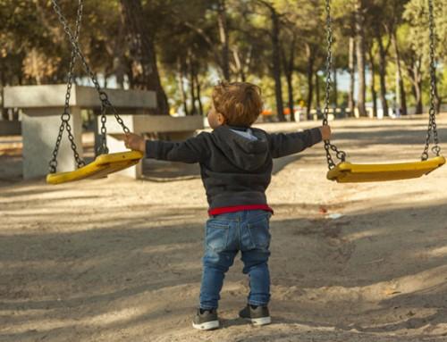 Gezocht: rustig speelgezin voor slimme en olijke knul van 3 jaar