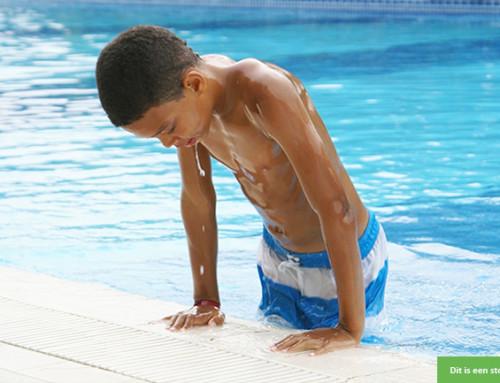 Wie wil deze zorgzame jongen (7) wekelijks naar zwemles brengen en ophalen?